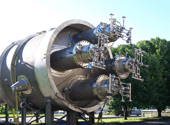 Large ASME stamped pressure vessel made of stainless steel